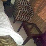 A Chair n Table