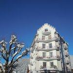 l'Auberge sous la neige et le soleil