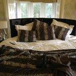 8ft Round Bed