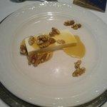Tarta de queso con miel y nueces