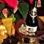 Champagne Sunday Brunch, with local sparkling!