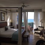 1 bedroom premier oceanfront suite 1402