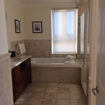 1 bedroom premier oceanfront suite 1402 -- bathroom