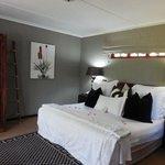Bedroom: garden room