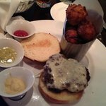 Onion White Cheddar burger w/tots
