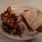 Bacon Sandwich & home fries