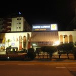 Fachada - ao lado do shopping
