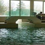 Ponte e passaggio piscina esterna