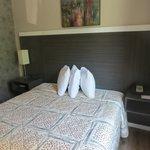 Super 8 Brooklyn-Queen bed room