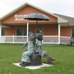Orphan Train Museum statues