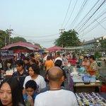 Night Market neben dem Historical Park - Beginn 17:00 Uhr