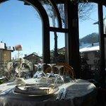 Sala ristorante con affaccio sulle montagne