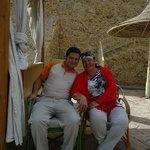 это я и Эхаб-Самый лучший бармен огромного пляжа Бич Дримз !!!!