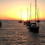 Viva el atardecer desde una embarcacion en el mar en Punta del Este
