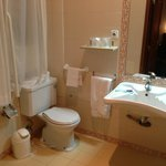 Banheiro do quarto . Tudo muito limpo