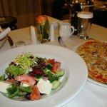Pizza & Greek Salad (Good Room Service)