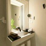 La Rose Suite Twin Bathroom