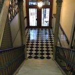 Hall d'entrée d'immeuble-Pension Aris