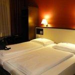 twin beds standard room