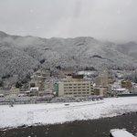 雪の飛騨川
