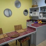 Kitchenette/ Dining Area
