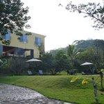 Villa Azalea, vista desde el río