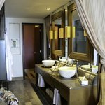 Beautiful bathroom with double vanity - very  nice and roomy!