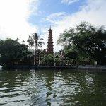 Trấn Quốc Pagoda, West Lake, Hanoi