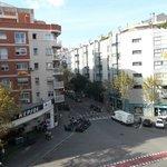 Barcelona, España, Hostal Central. Vista exterior desde habitación.