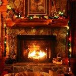 Cozy, romantic cabin in winter slendor