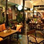 Welcome to Ranee's velo Restaurant!!