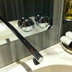 Sink fixtures