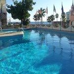foto dalla piscina con il panorama