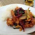 Luna Lanai beach bar: chicken cashewnut. Amazing