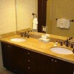 Double Sink Bath (Separate Toilet)