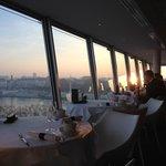 Lever de soleil depuis le restaurant Panoramique
