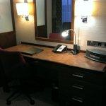 Desk with bosewave system, executive suite!