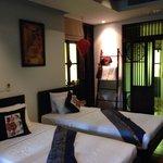 Shino room