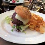 Hamburger royal con chips
