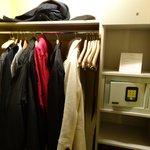 Superior room, closet