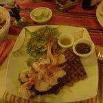 Shrimps and steak were excellent