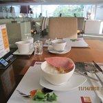 dining restuarant  , free breakfast