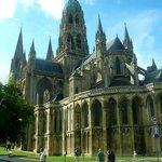 Cathedrale Notre Dame de Bayeux: Francia: vista del lato B