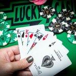 Lucky 7 Casino Table