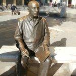 Picasso staty utanför hans barndomhem