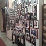 corridoio con foto