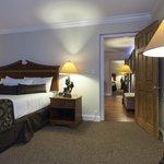 3 room suite