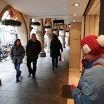 Wandelen en winkelen onder de Arcade .