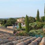 Vue de la terrasse de la chambre 'Mimosas' d'où l'on peut admirer la région sur presque 360°