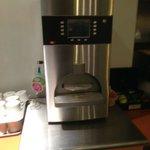 Machine à café à l'arrêt au petit déjeuner